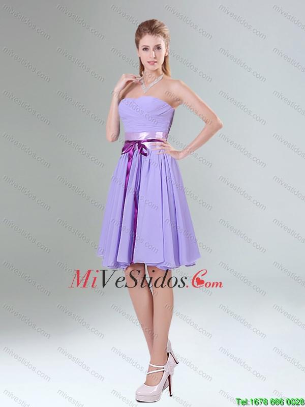 Lavender clásica princesa mini longitud vestido de dama con acanalar ...