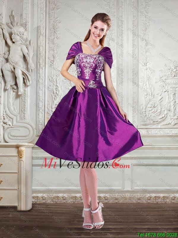 Púrpura oscuro Alto Bajo bordado sin tirantes de vestidos de baile ...