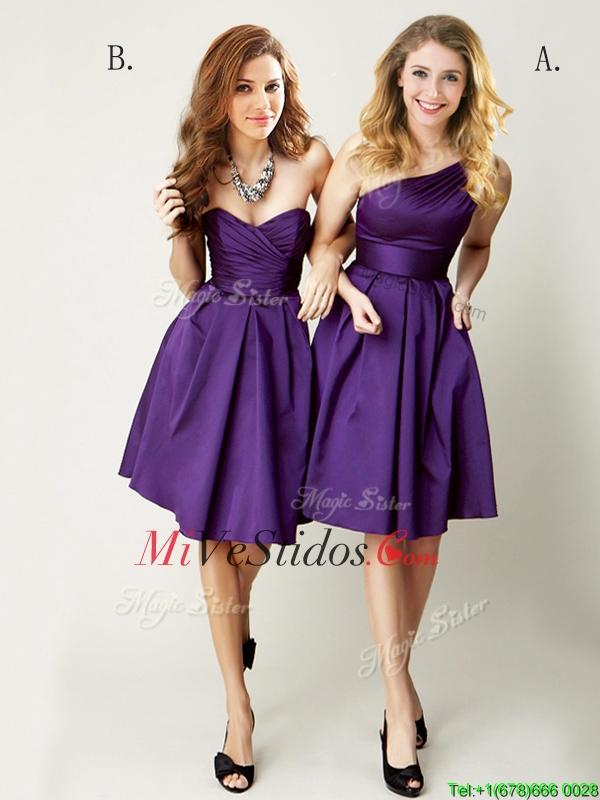Hermosa de un hombro vestido corto, púrpura dama de honor para el ...