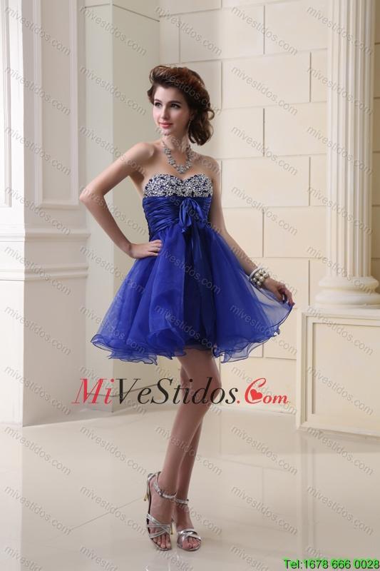 Vestidos en color azul pavo