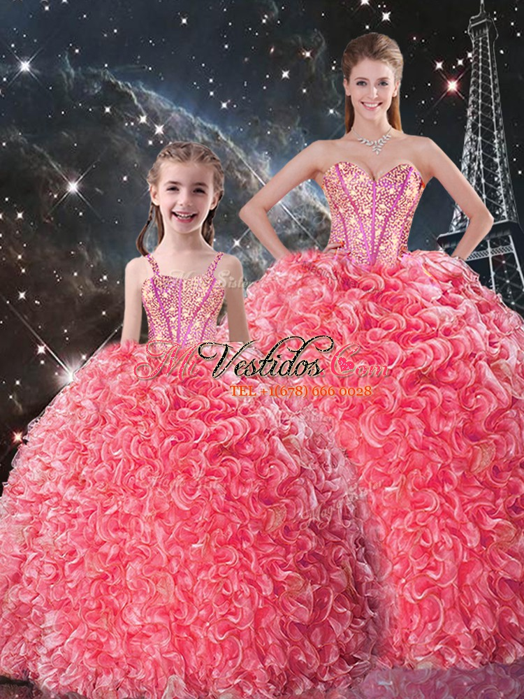 Los vestidos de bola rojos coralinos de la clase alta organza el ...