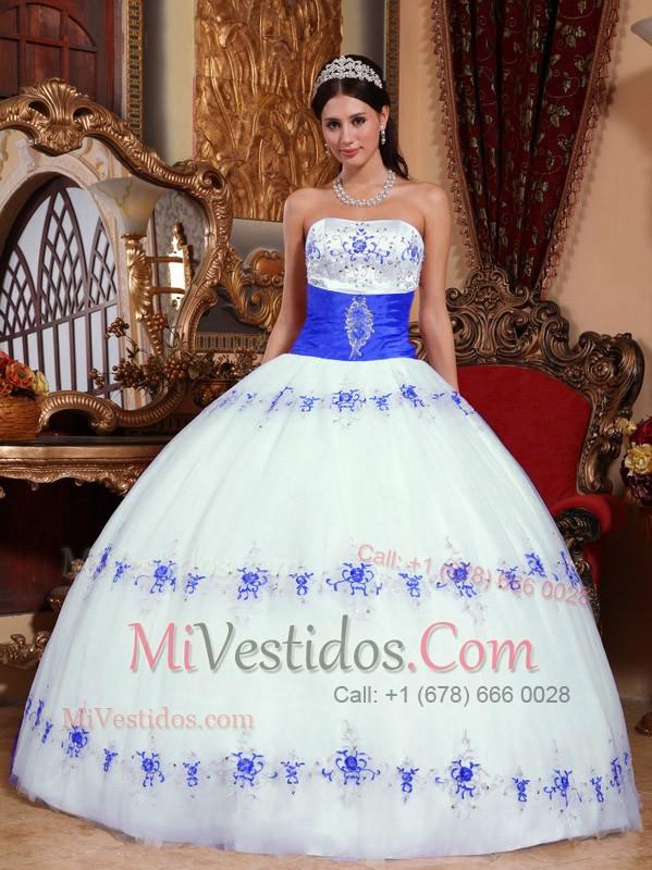 Vestidos de fiesta azul con blanco