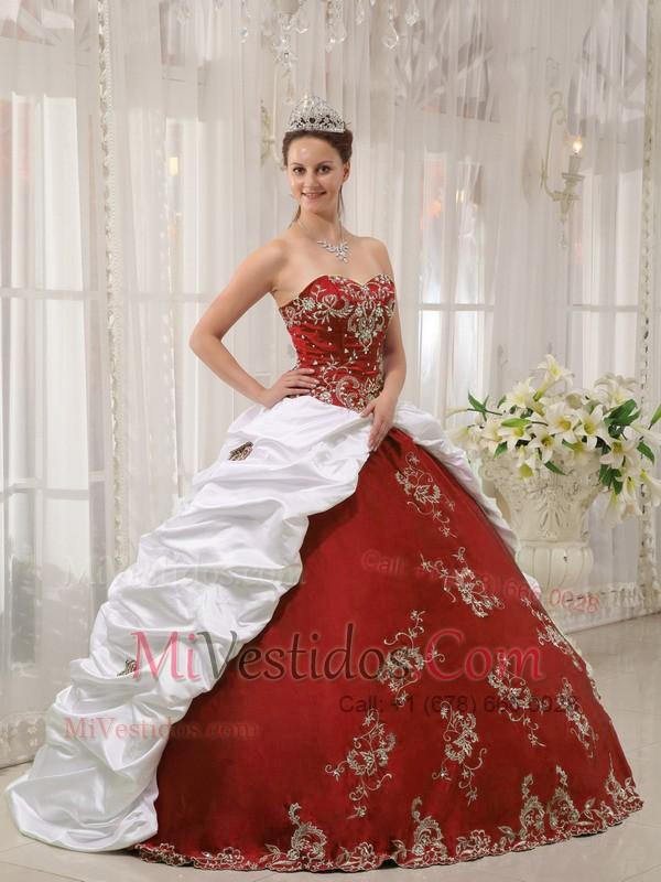 5462539b3 Rojo Vino Y Blanco Vestido De Fiesta Dulceheart Hasta El Suelo Satén Y Tafetán  Bordado Vestido. triumph