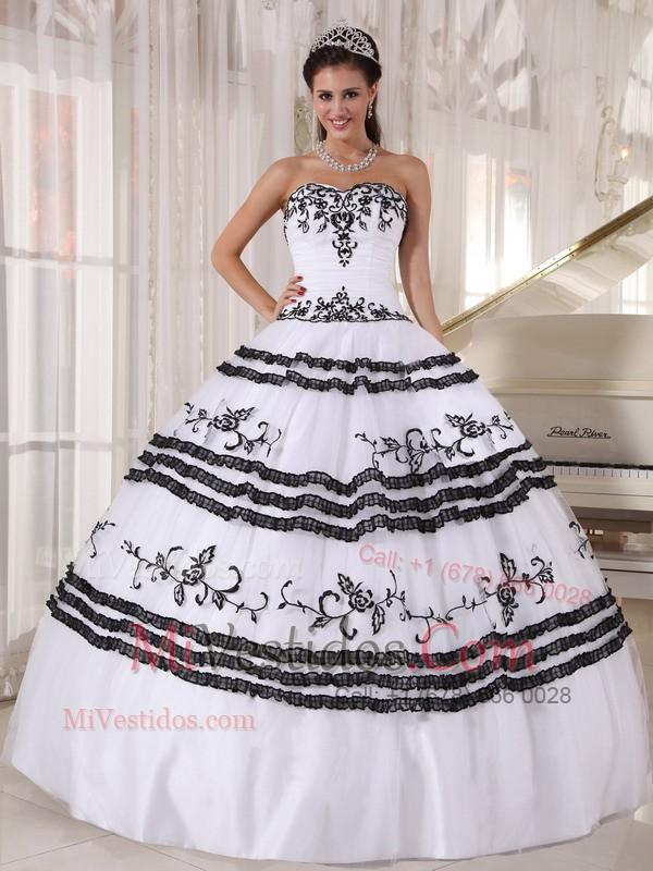 Vestidos de quinceanera blanco y negro