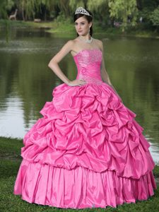 Caliente Rosa para Clearance Vestido De Quinceañera Con Estrapless Beaded Decorate Tafetán