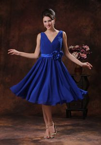 Roral Azul V-neck Vestidos De Dama De Honor Con Floress Y Ruch Derocate In Carefree Arizona