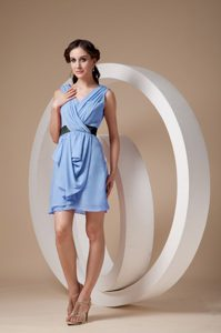 Azul Claro Vestido Tubo / Sheath V-neck Mini-length Chifón Ruched Paseo Vestido